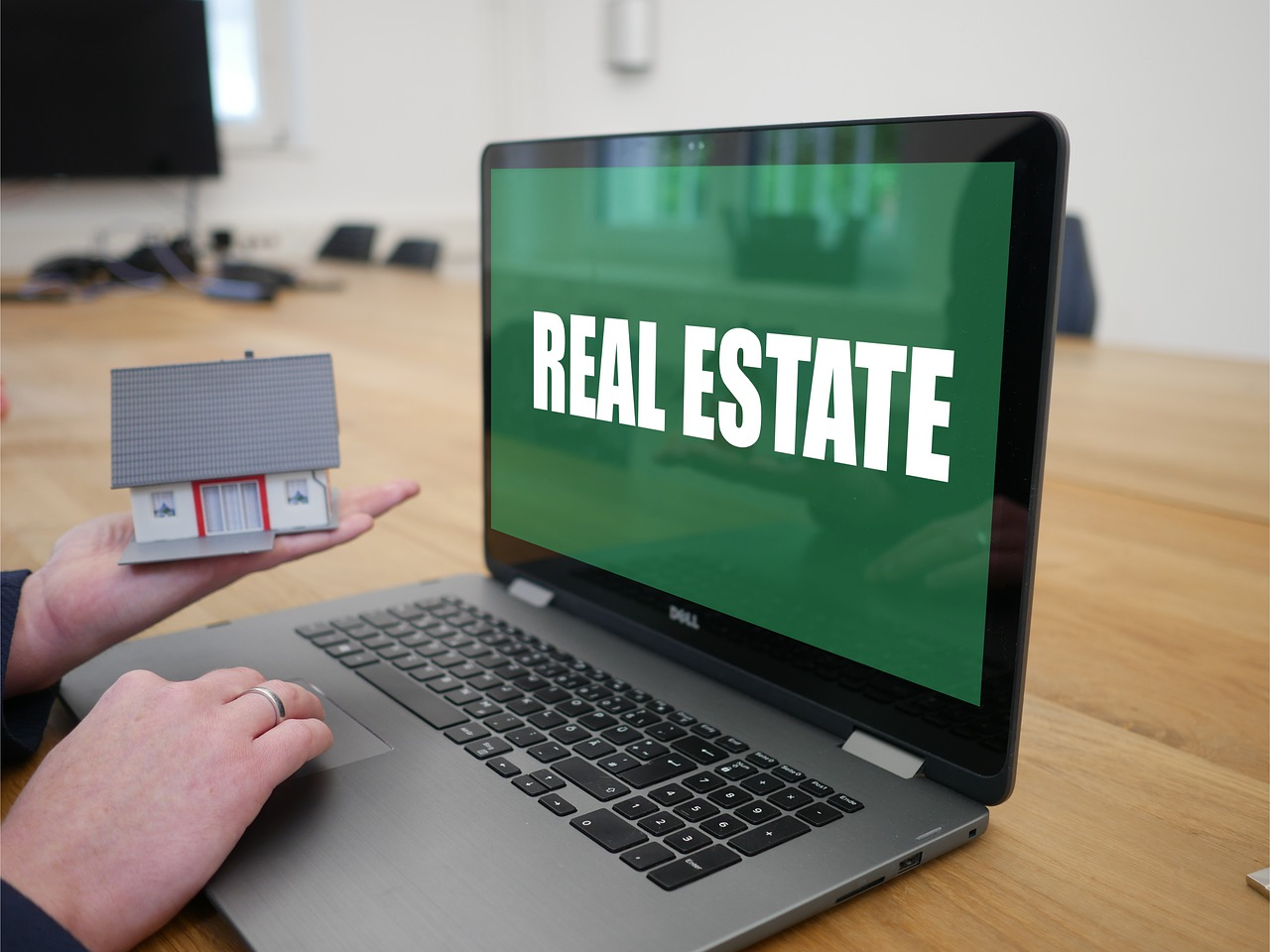 Technology Revolutionizing the Real Estate Industry